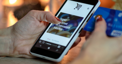 will ecommerce replace retail stores